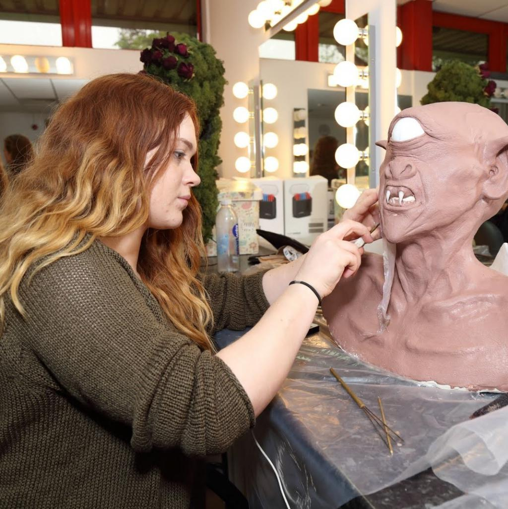 Theatrical, Media and Special Effects Make-Up HND